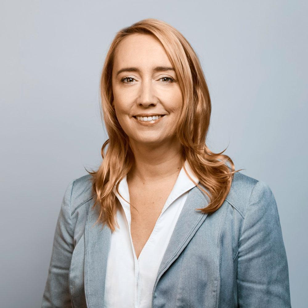 Dr. Melanie Amann