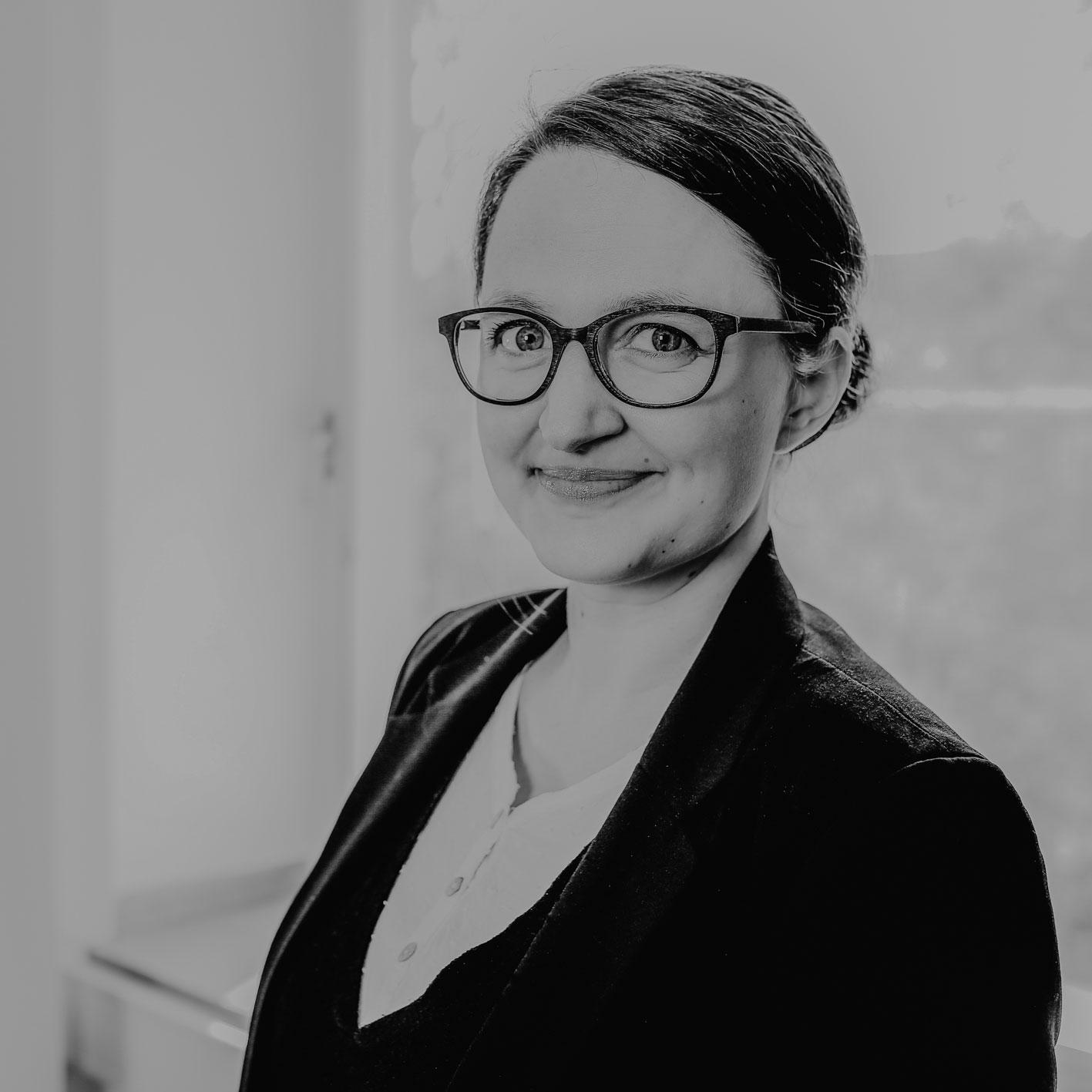 Dr. Lena Frischlich